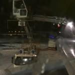 新千歳空港での飛行機の除雪作業