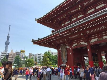 東京スカイツリーと宝蔵門