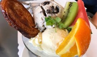 ラ・パレットのアイスとフルーツ盛り合わせ