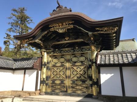 建長寺の方丈の唐門