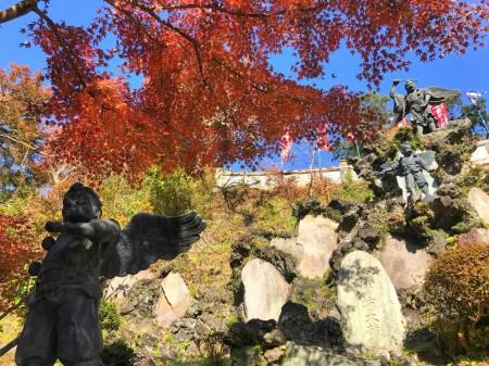 建長寺 半僧坊の天狗と紅葉
