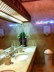 バリ島のアヨディアリゾートのトイレ